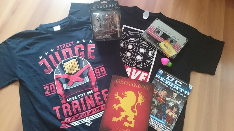 Lootchest April 2017 (1)